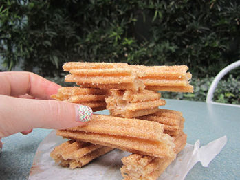 Disneyland Food Churros 4